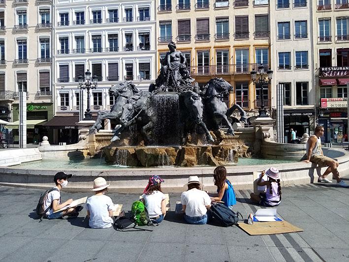 Place des Terreaux, Lyon - croquis d'enfants.